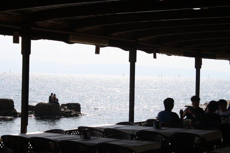 Lunch in Akkre
